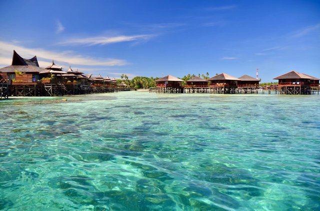 d4:班达南岛拍照浮潜,马达京岛深潜看海龟,汀巴汀巴岛深潜(闲时可